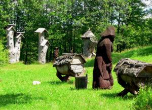 от колодного и бортивого пчеловодства к современному рамочному улью